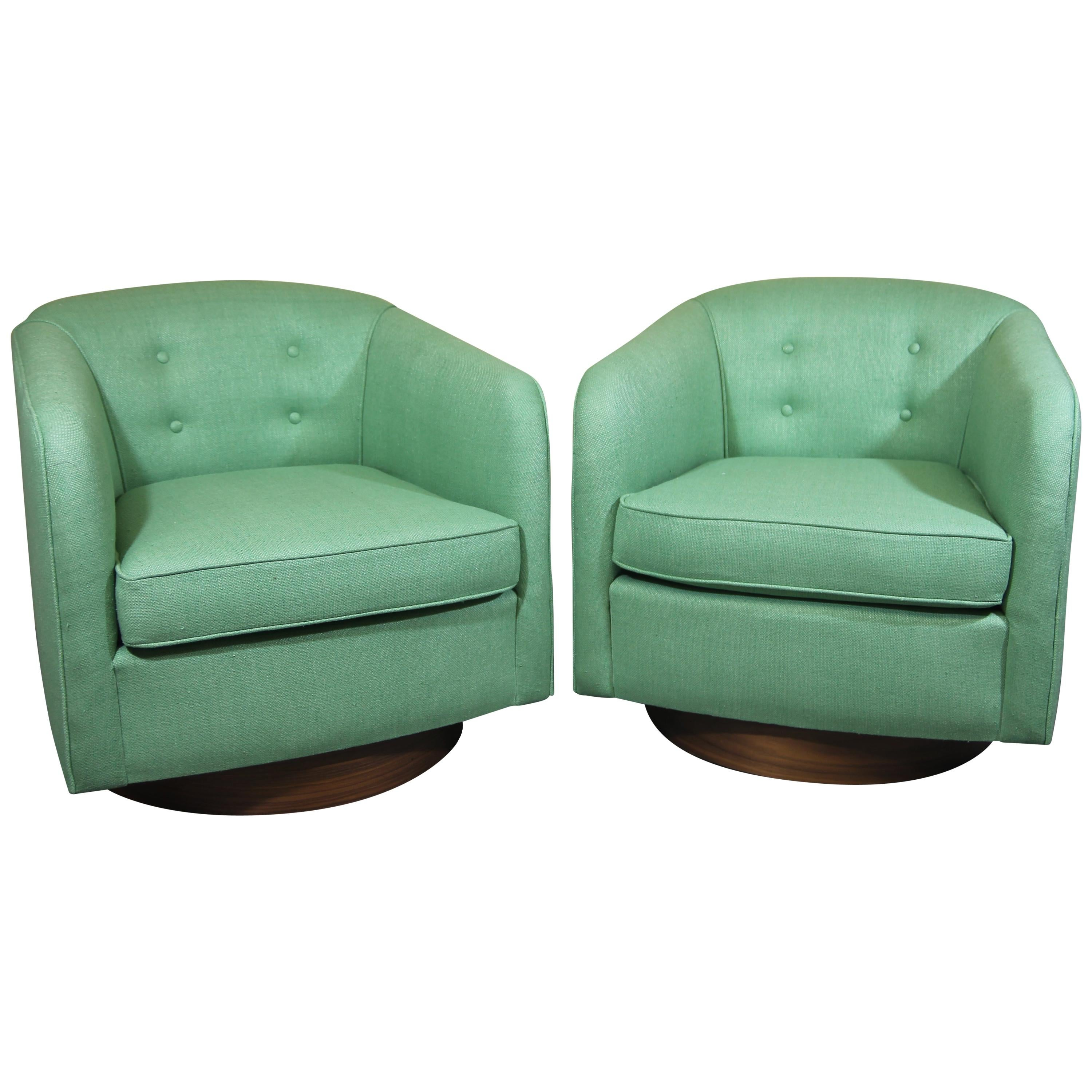 Midcentury Swivel Lounge Chairs in the Style of Milo Baughman