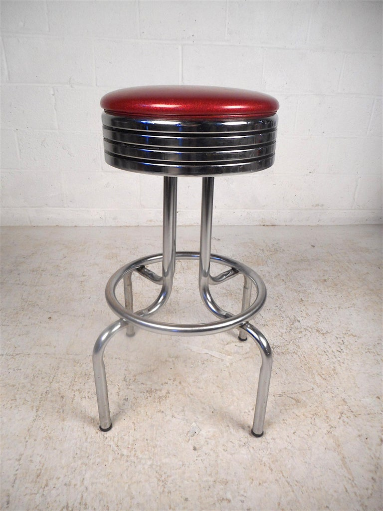 Mid-Century Modern Midcentury Swiveling Stools, Set of 6 For Sale