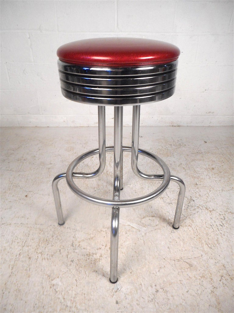 Midcentury Swiveling Stools, Set of 6 In Good Condition For Sale In Brooklyn, NY