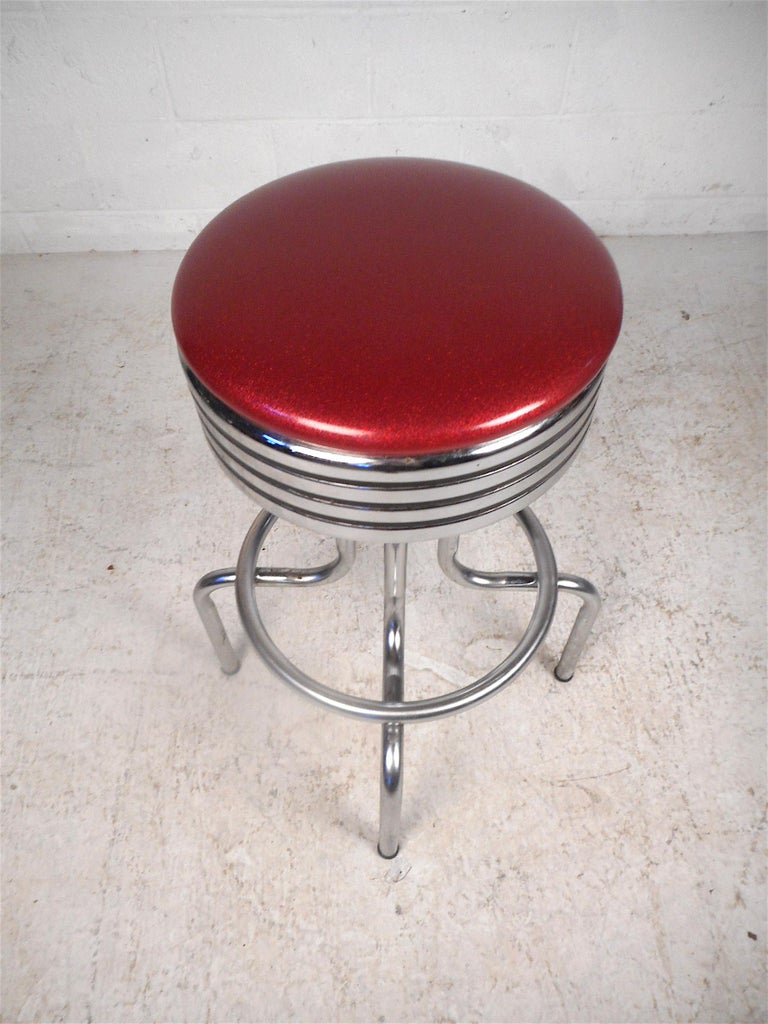 20th Century Midcentury Swiveling Stools, Set of 6 For Sale