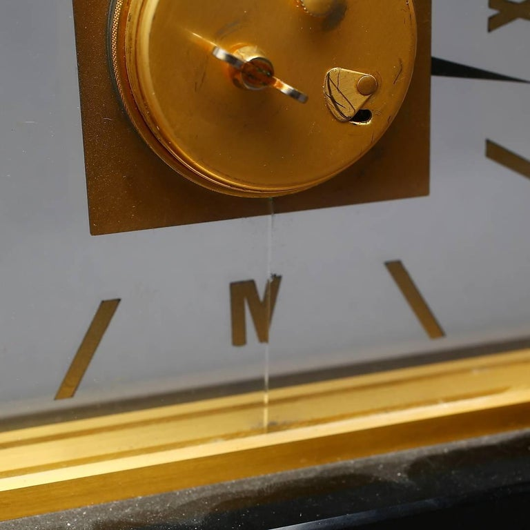 Midcentury Table Clock by Jaeger-LeCoultre, Switzerland In Excellent Condition For Sale In Vienna, AT