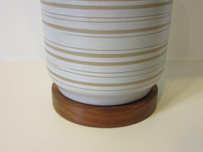 Pottery Midcentury Table Lamp by Gordon & Jane Martz for Marshall Studios For Sale