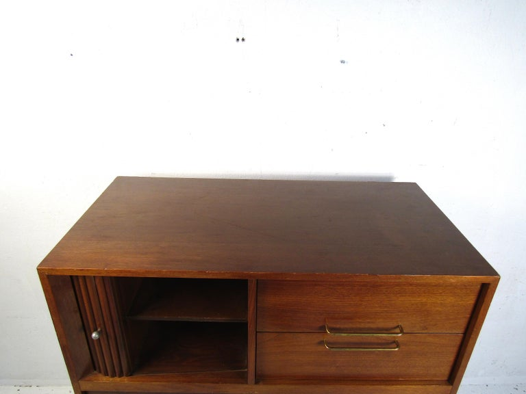 Midcentury Tall Dresser in Walnut In Fair Condition For Sale In Brooklyn, NY