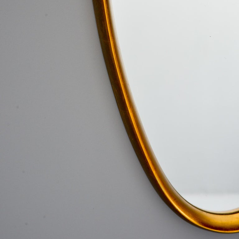 Midcentury Tall Oval Giltwood Framed Mirror In Good Condition For Sale In Troy, MI