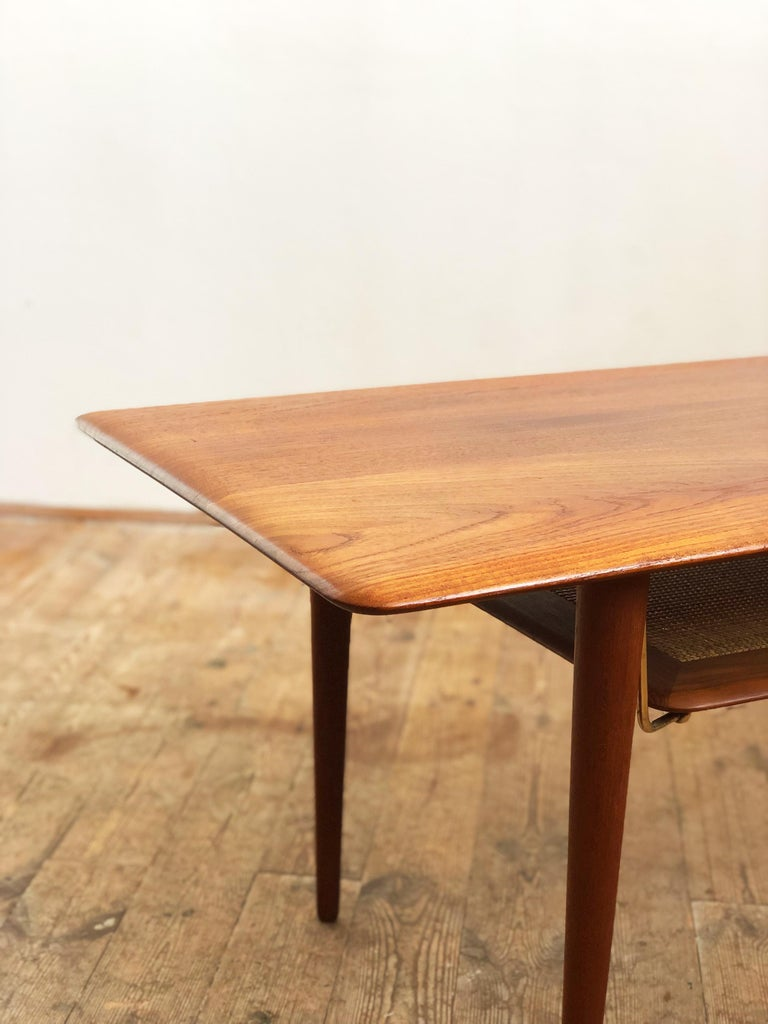 Midcentury Teak Coffee Table by Peter Hvidt & Orla Mølgaard Nielsen For Sale 1