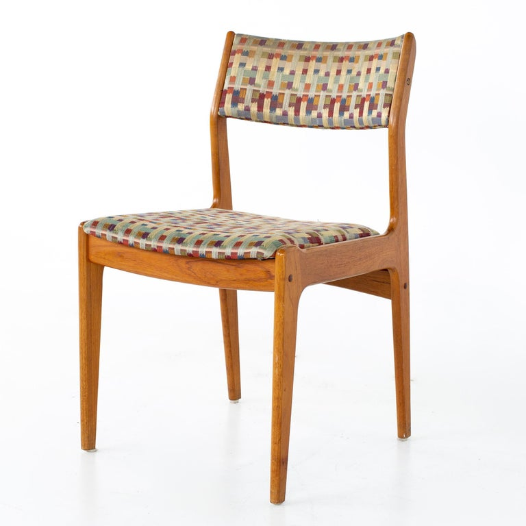 Mid Century Teak Dining Chairs, Set of 6 In Good Condition For Sale In La Grange, IL