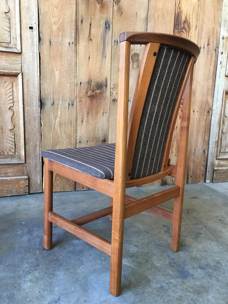 Mid Century Teak Dining Chairs Set of Eight For Sale 5