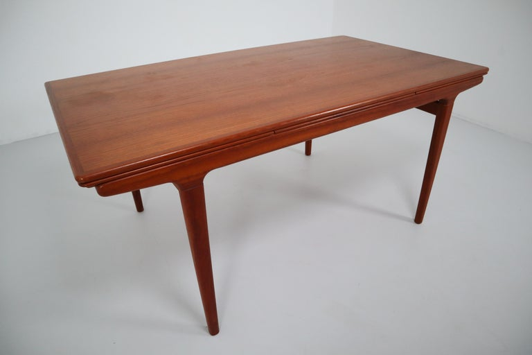 Midcentury Teak Dining Table with Extensions by Niels Møller, Denmark, 1950s In Good Condition For Sale In Almelo, NL