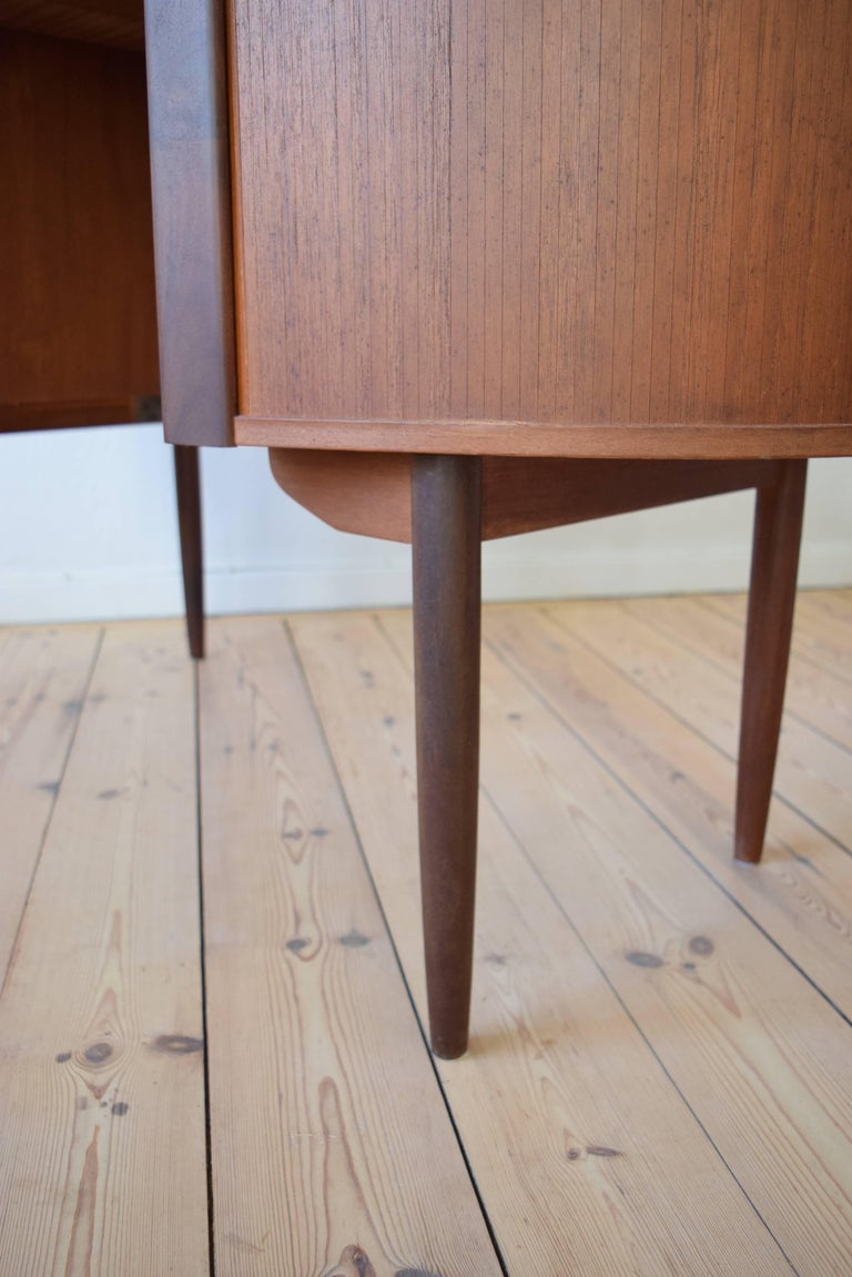 Midcentury Teak Kidney Shaped Desk, 1950s For Sale 2