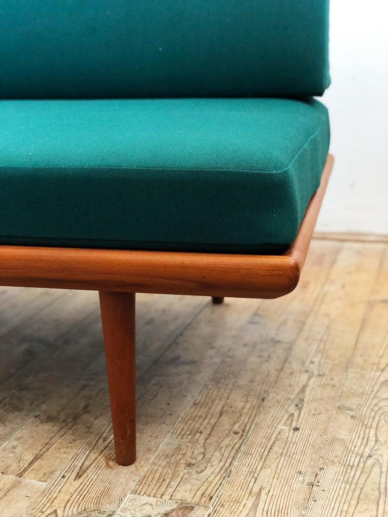Midcentury Teak Sofa by Peter Hvidt & Orla Mølgaard Nielsen for France & Son For Sale 3