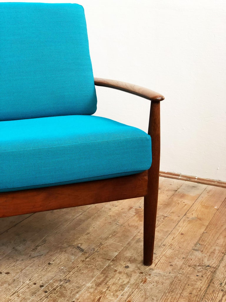 Midcentury Teak Sofa with Turquoise Upholstery by Grete Jalk for France & Son  For Sale 2