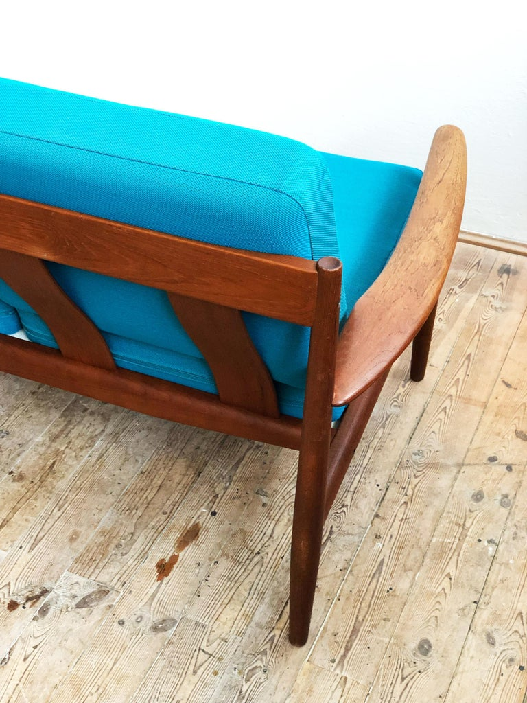 Midcentury Teak Sofa with Turquoise Upholstery by Grete Jalk for France & Son  In Good Condition For Sale In Munich, Bavaria