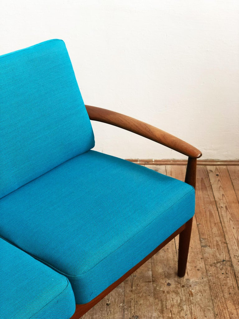 Midcentury Teak Sofa with Turquoise Upholstery by Grete Jalk for France & Son  For Sale 1