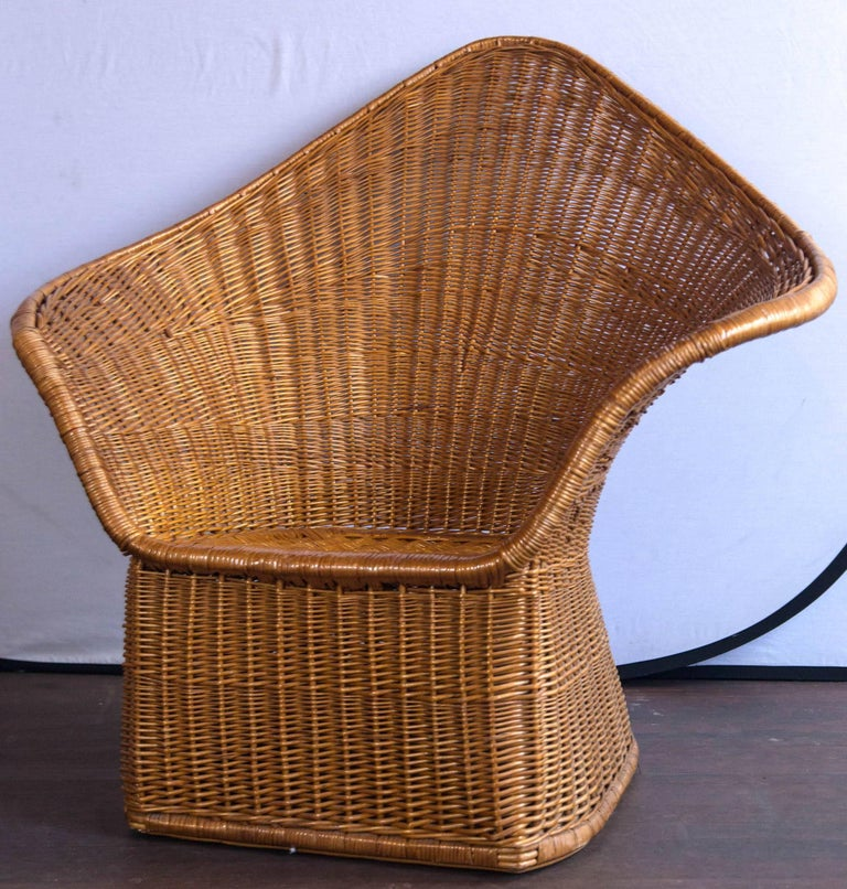 Midcentury Triangular Wicker/Rattan Armchair and Ottoman In Excellent Condition For Sale In Stamford, CT