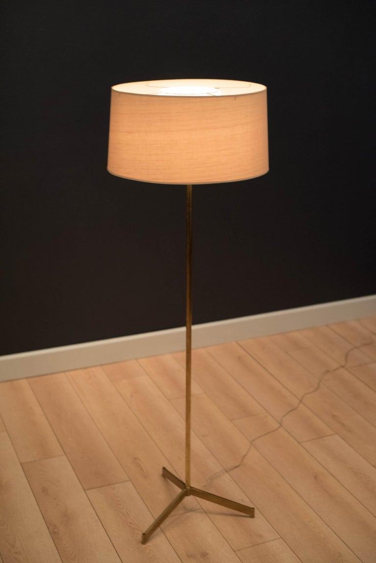 Mid Century Tripod Brass Floor Lamp In Good Condition In San Jose, CA