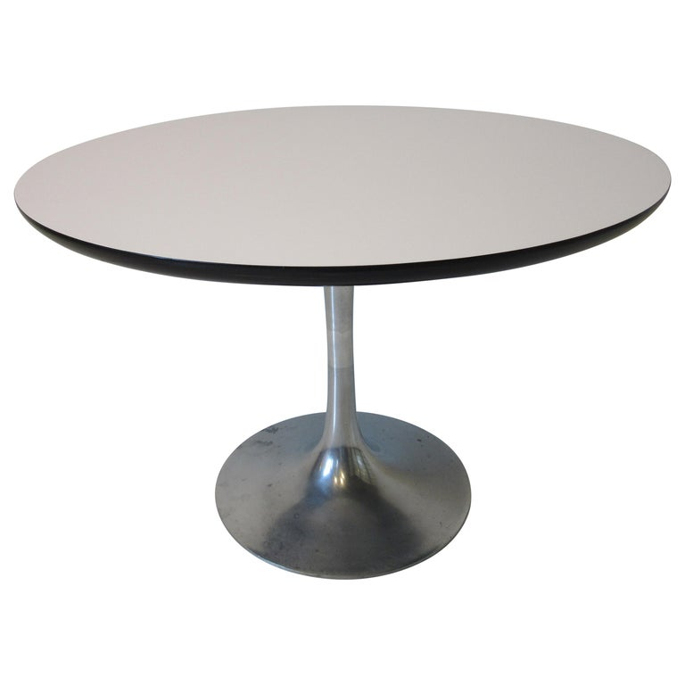 Mid Century Tulip Side / Lamp Table by Burke For Sale