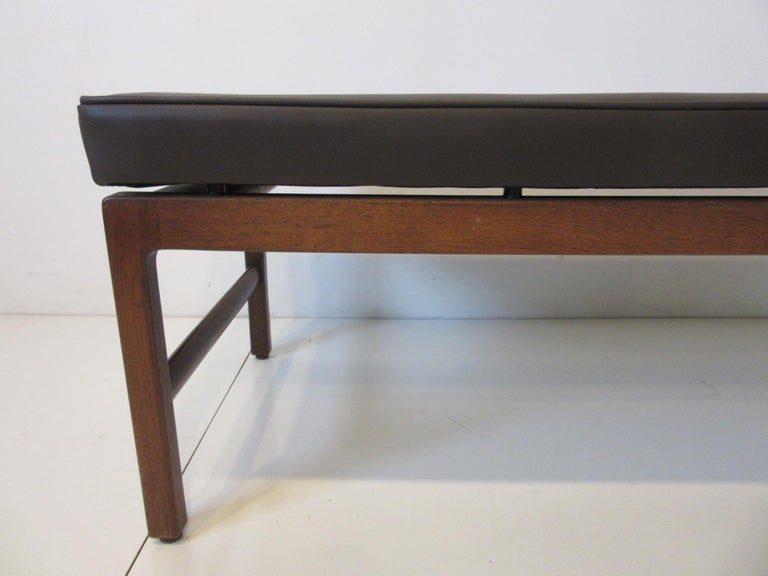 American Midcentury Upholstered Bench in the Manner of Jens Risom For Sale