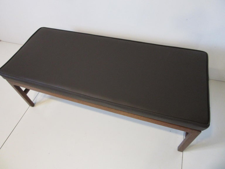 Upholstery Midcentury Upholstered Bench in the Manner of Jens Risom For Sale