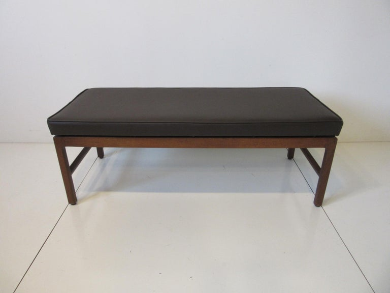 Midcentury Upholstered Bench in the Manner of Jens Risom For Sale 1