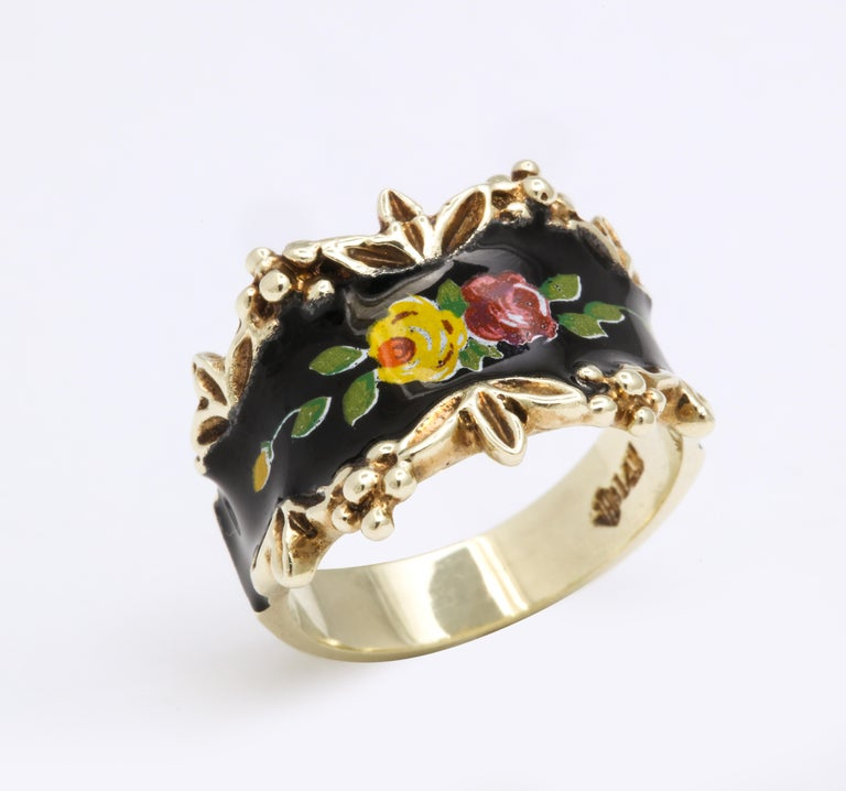 Mid Century Vintage Gold and Enamel Floral Spray Ring In Excellent Condition For Sale In Stamford, CT