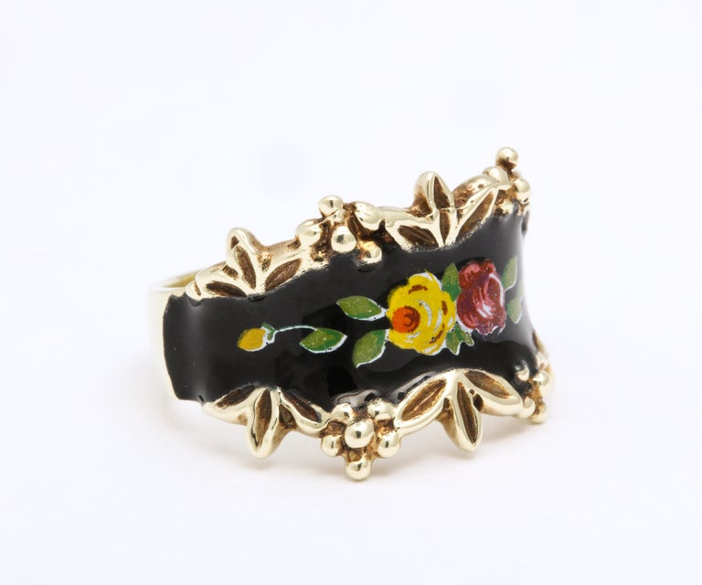 Women's or Men's Mid Century Vintage Gold and Enamel Floral Spray Ring For Sale