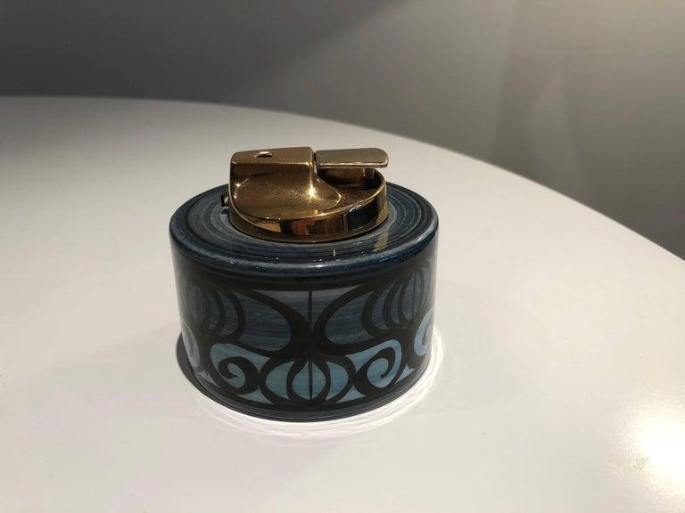 Mid-Century Modern Midcentury Vintage Ronson Ceramic Table Lighter For Sale
