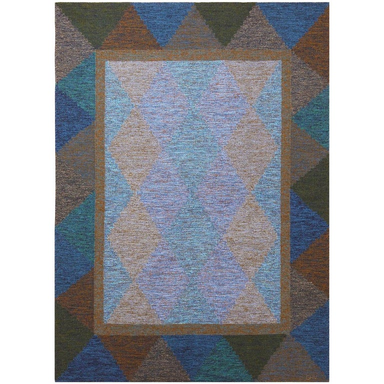 Mid-Century Vintage Scandinavian Kilim Rug. Size: 5 ft 8 in x 7 ft 10 in  For Sale