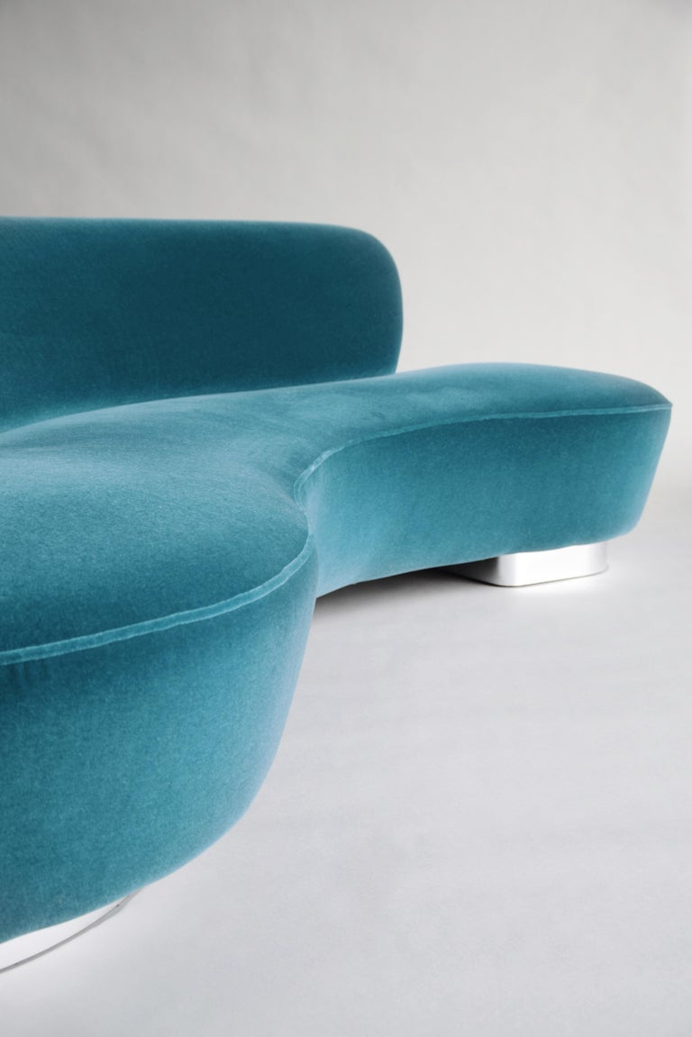 Mid-Century Vladimir Kagan Aquamarin Wool Mohair Organic Serpentine Sofa For Sale 1