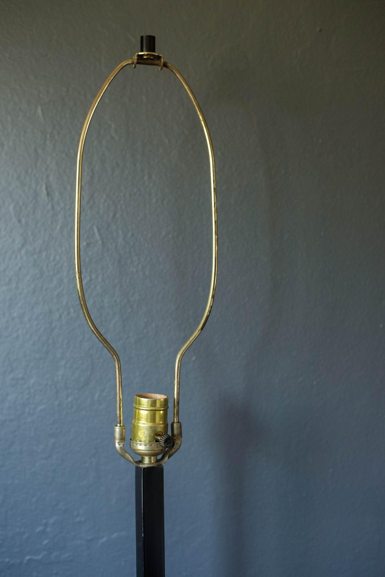 Mid Century Walnut and Black Laurel Table Lamp For Sale 1