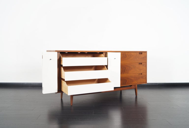 Midcentury Walnut Credenza by American of Martinsville In Excellent Condition For Sale In Burbank, CA