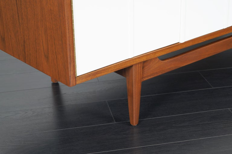 Midcentury Walnut Credenza by American of Martinsville For Sale 2
