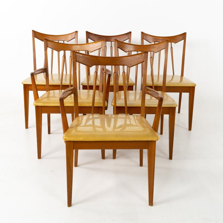 Mid-Century Modern Mid Century Walnut Dining Chairs - Set of 6 For Sale