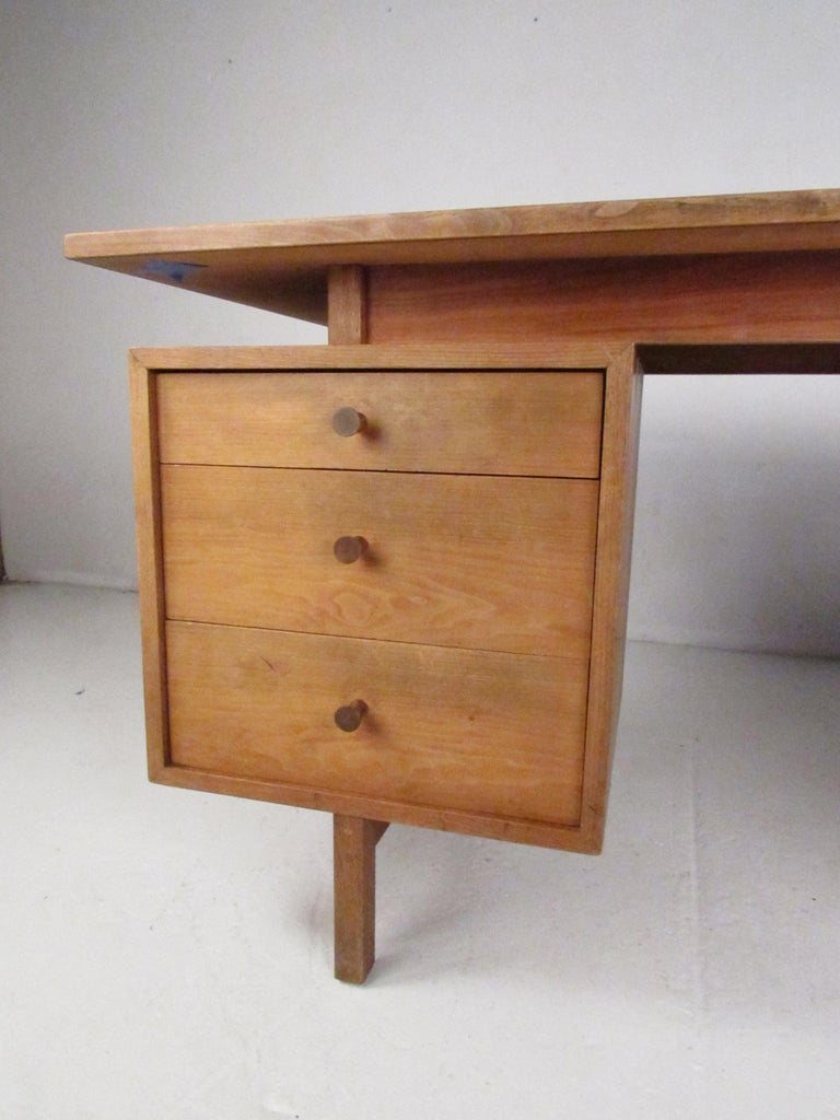 Midcentury Walnut Floating Top Desk In Good Condition For Sale In Brooklyn, NY