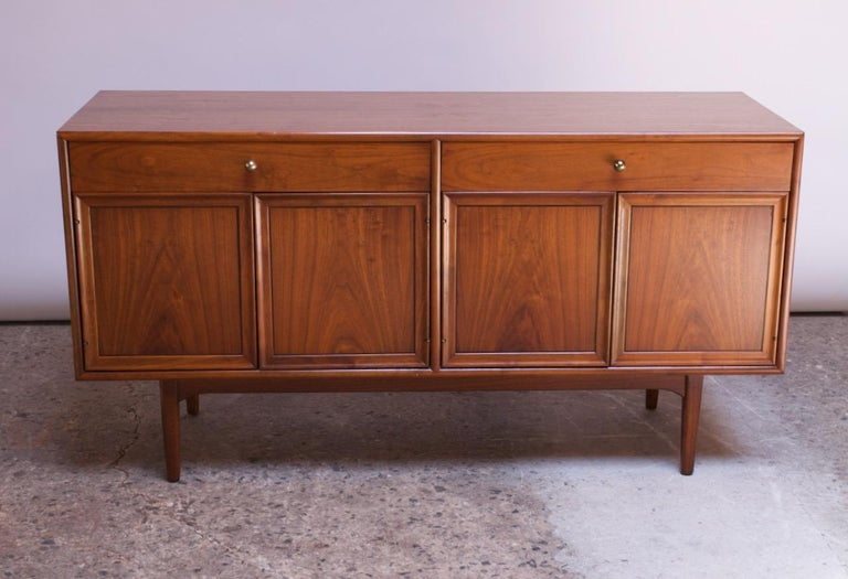 Midcentury Walnut Illuminated Credenza by Kipp Stewart for Drexel Declaration In Good Condition For Sale In Brooklyn, NY