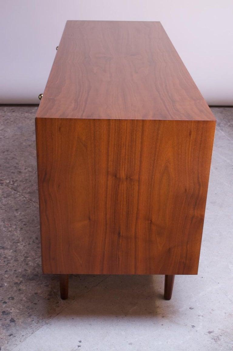 Midcentury Walnut Illuminated Credenza by Kipp Stewart for Drexel Declaration For Sale 1