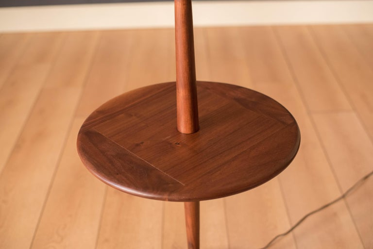 Mid Century Walnut Laurel Floor Lamp with End Table In Good Condition For Sale In San Jose, CA