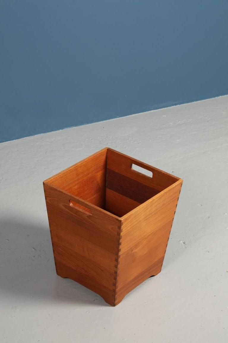 Midcentury Waste Bin in Solid Teak, Made in Denmark For Sale 1