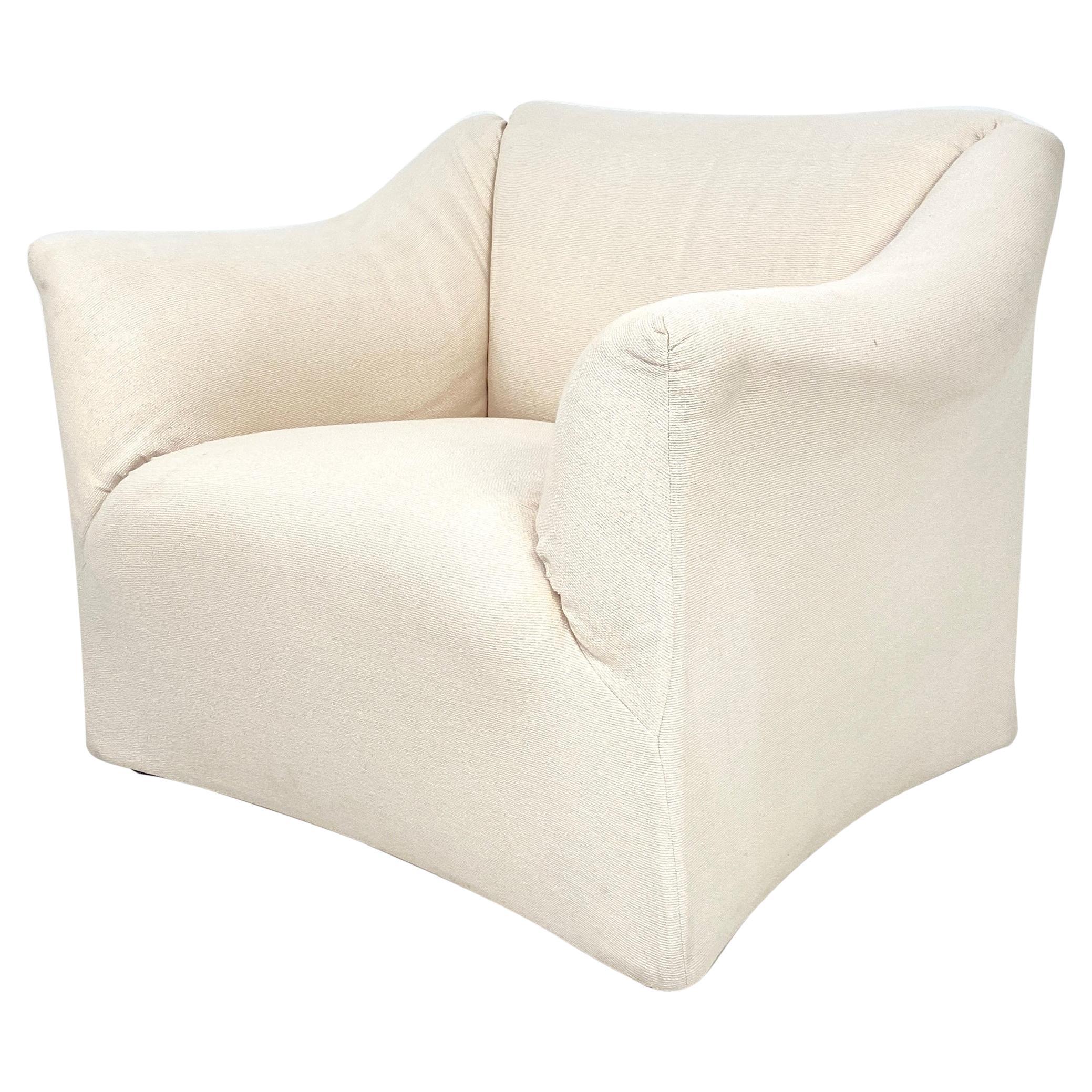 Mid Century White Club Lounge Chair by Mario Bellini Model 685 Tentazione, 1976