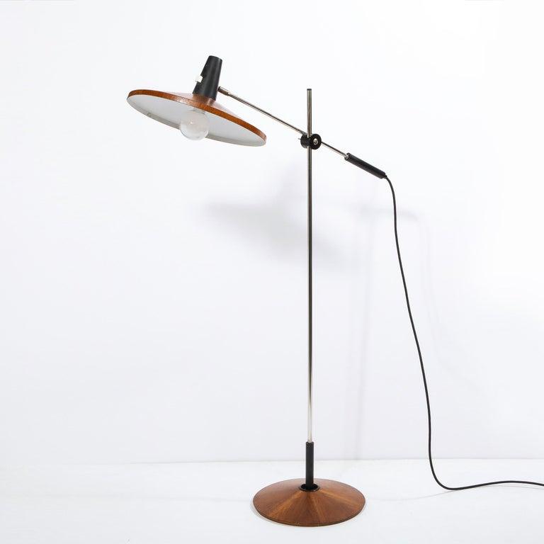 Mid Century Wood & Chrome Floor Lamp by Georges Frydman for Temde Leuchten For Sale 7