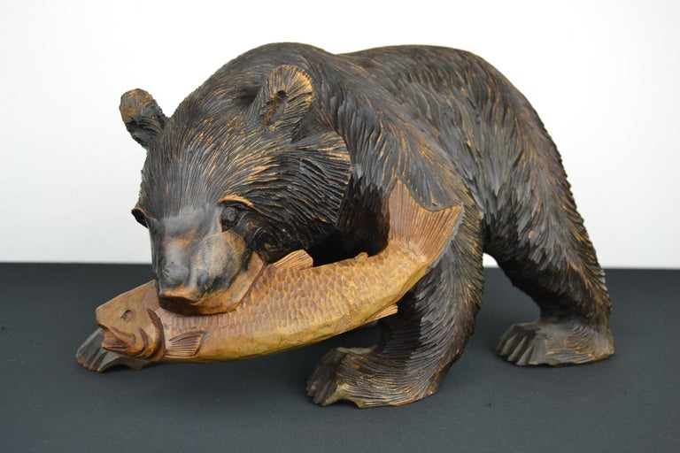 Mid-Century Wooden Bear with Fish Sculpture For Sale 6