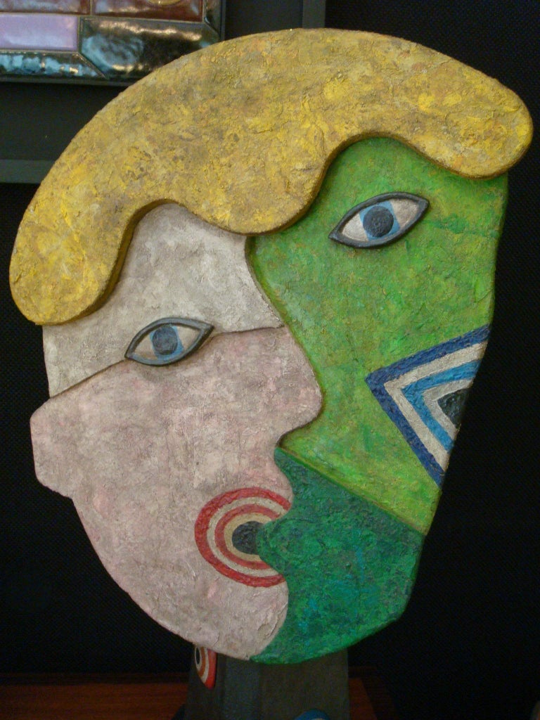 Mid-Century Wooden Face Sculpture of Two People Talking For Sale 5