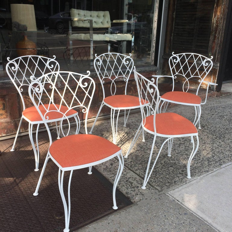 Mid Century Wrought Iron Patio Garden Dining Chair Set In Good Condition For Sale In Brooklyn, NY