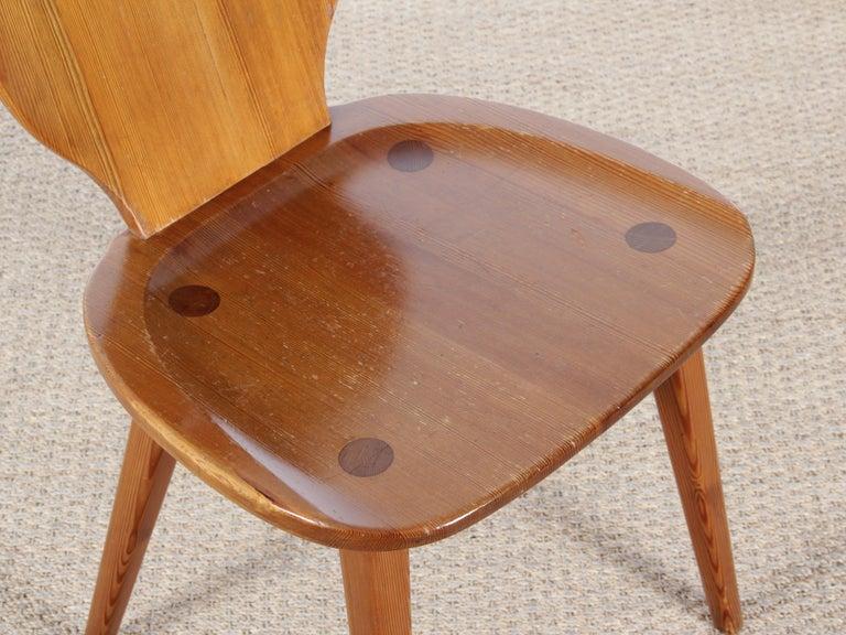 Mid Modern Scandinavian Visingsö Chairs in Pine by Carl Malmsten For Sale 6