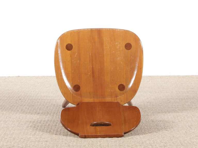 Mid Modern Scandinavian Visingsö Chairs in Pine by Carl Malmsten For Sale 2
