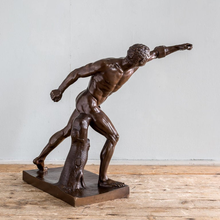 Mid-19th Century French Bronze Figure of the Borghese Gladiator In Good Condition For Sale In London, GB