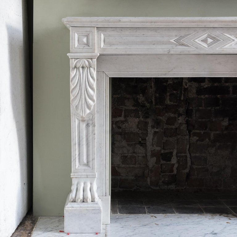 Mid-19th Century French Empire Carrara Marble Chimneypiece For Sale 1