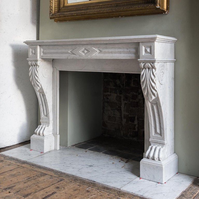 Mid-19th Century French Empire Carrara Marble Chimneypiece For Sale 3