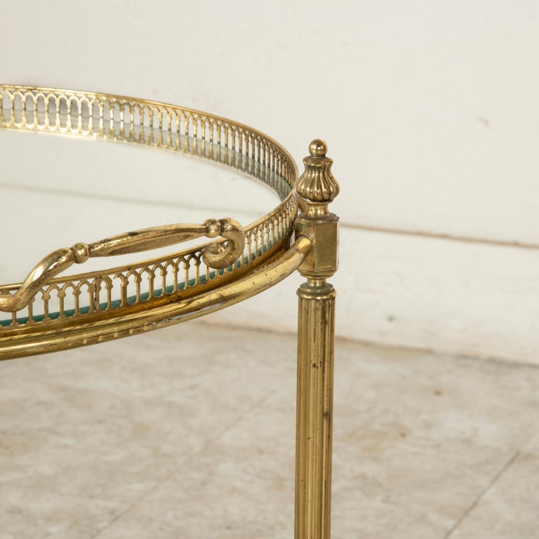 Mid-20th Century French Louis XVI Style Brass and Glass Bar Cart For Sale 3