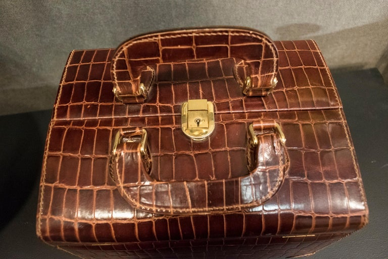 Hand-Crafted Midcentury Brown Leather Italy MarCo Tadini Vanitycase Snake Effect For Sale