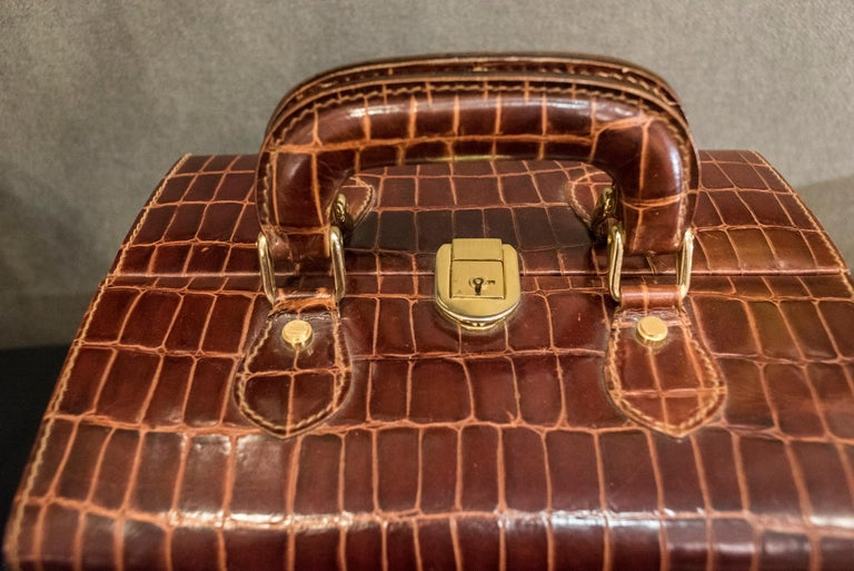 Midcentury Brown Leather Italy MarCo Tadini Vanitycase Snake Effect In Good Condition For Sale In Valladolid, ES